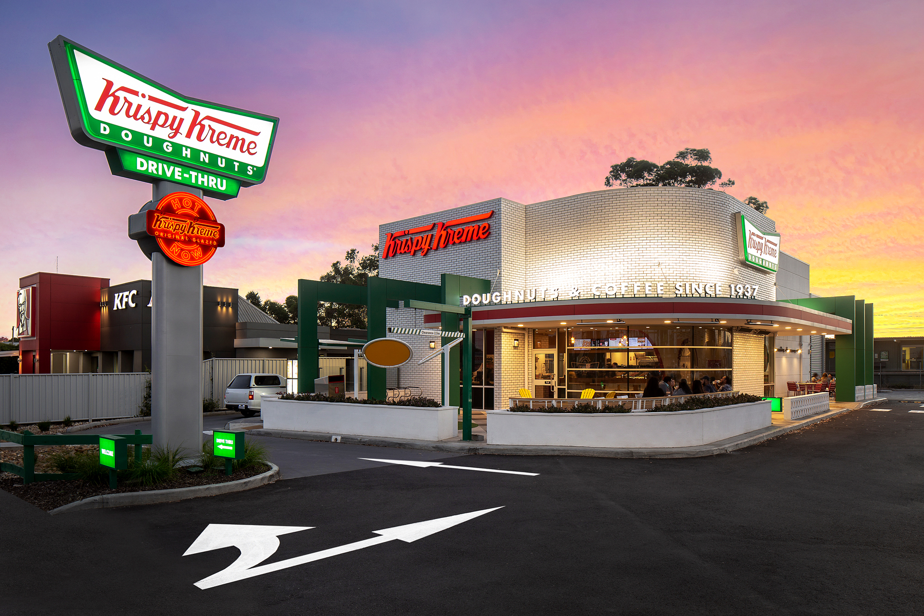 Krispy Kreme Fawkner | Lighting Inspiration | Unios