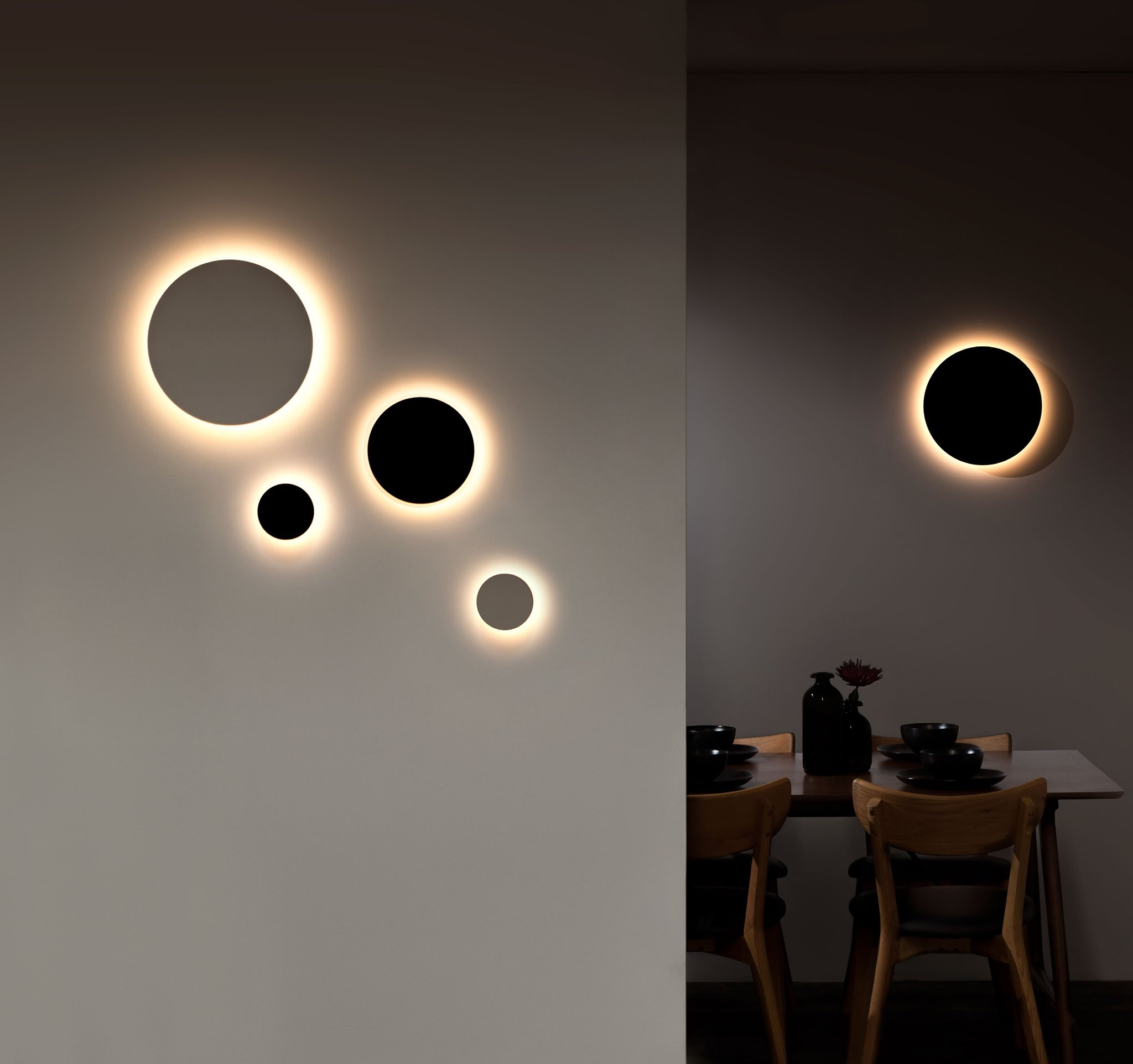 Iris Wall Light